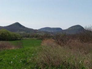 Tanúhegyek a Kereki dombról